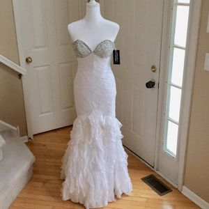 🎈Sale 20% NWT Prima Donna Collection Prom Dress